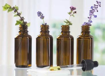 星期四农庄揭秘 : 精油为啥装进小棕瓶?